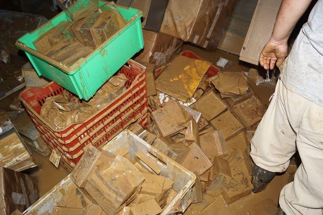 «Ιανός»: Δύο μέτρα νερά και λάσπη στο υπόγειο του Αρχαιολογικού Μουσείου