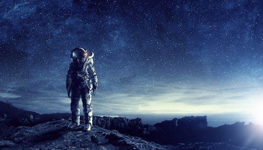 NASA가 첫 여성 우주인을 달에 보낼