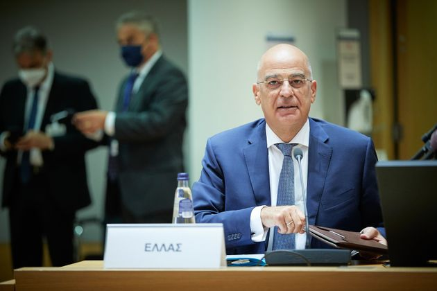 Δένδιας: Επανεκκίνηση συνομιλιών και όχι διαπραγματεύσεων Ελλάδας