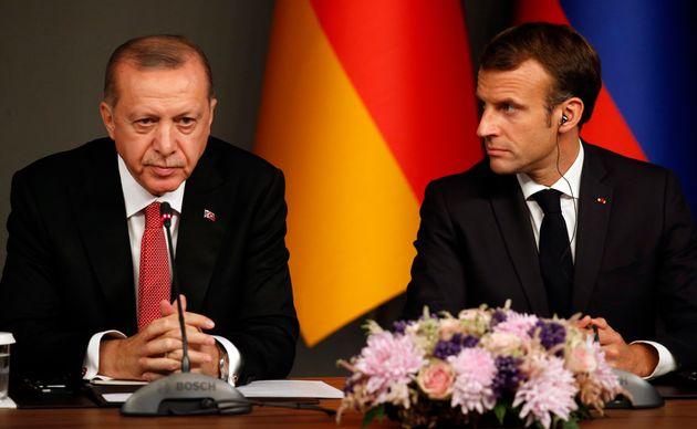 Recep Tayyip Erdogan et Emmanuel Macron (ici photographiés en octobre 2018 à Istanbul)...