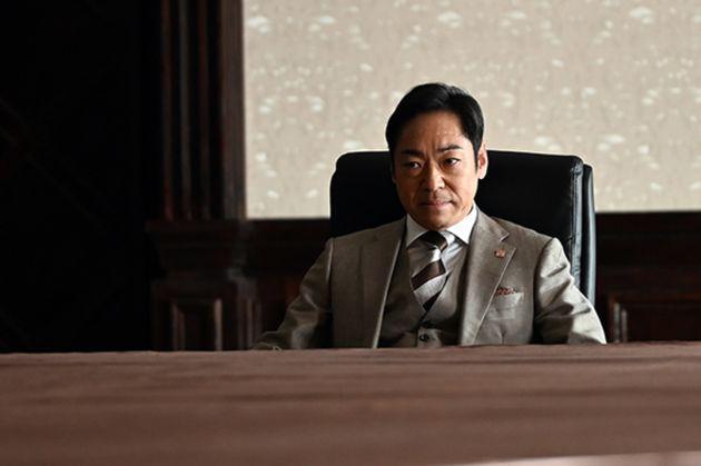 『半沢直樹』第1話のフォトギャラリーに掲載された、香川照之さんが演じる大和田暁