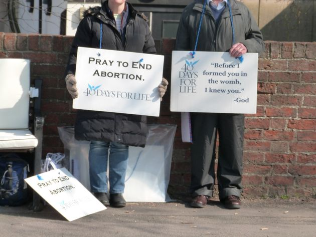 Anti-Abortion Protesters Breaking Social-Distancing Rules As 40-Day Vigils Begin