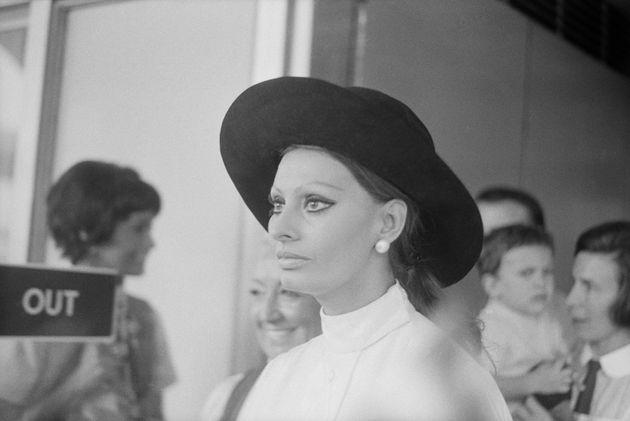 Η επιστροφή μιας μεγάλης κυρίας: Η Σοφία Λόρεν ξανά στα κινηματογραφικά πλατό (μέσω