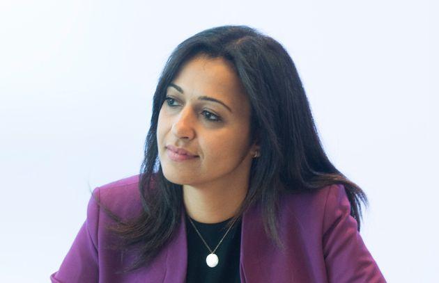 La députée solidaire Ruba Ghazal accuse le gouvernement caquiste de faire preuve de favoritisme...