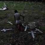 Brasil interrompe sequência de 3 quedas nas mortes semanais por covid-19 e registra
