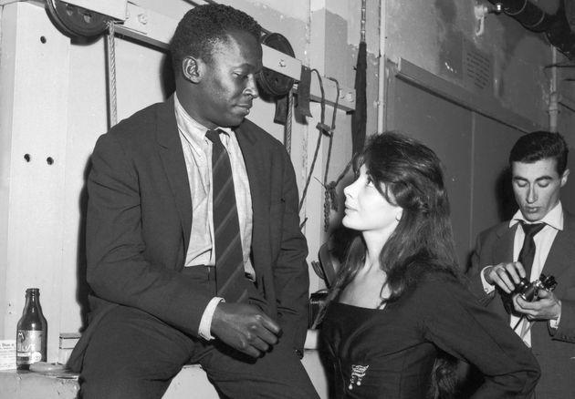 Juliette Greco et Miles Davis, un amour impossible empêché par le racisme, ici en photo...