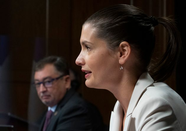 La ministre de la Sécurité publique, Geneviève Guilbault, a tenu un point de presse,...
