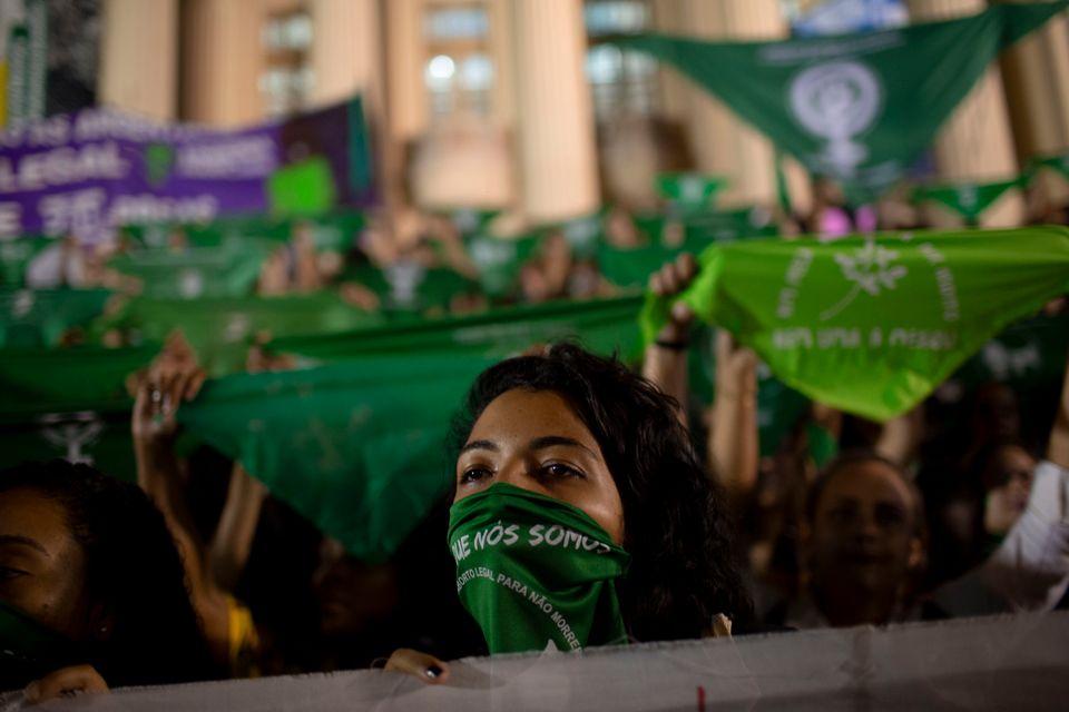Desde 1940, o Código Penal não considera crime o aborto em caso de estupro ou de risco...