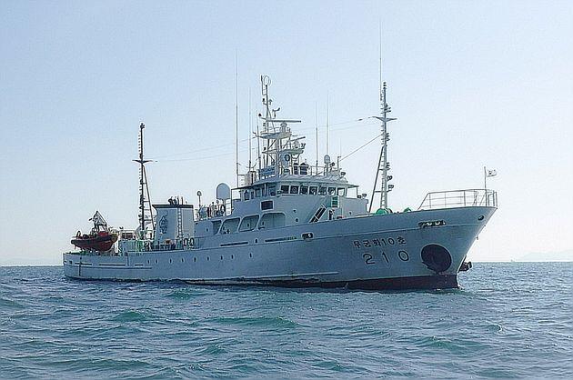 북방한계선(NLL) 인근 소연평도 남방 1.2마일 해상에서 업무중 실종된 서해어업지도관리단 소속 어업지도 공무원 A씨(47)가 탑승한 어업지도선 무궁화 10호(499톤)의