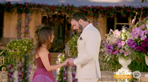 'The Bachelor Australia's Locky Gilbert rejects Bella Varelis in the grand