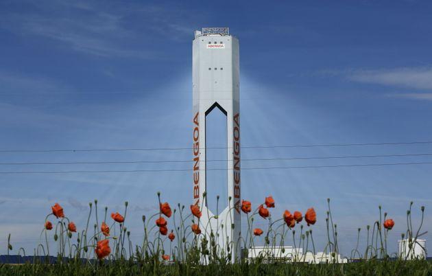 Un torre de Abengoa en Sanlúcar la Mayor,