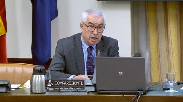 Emilio Bouza, portavoz del Grupo Covid19 en Madrid, durante su intervención en el Congreso en el mes...