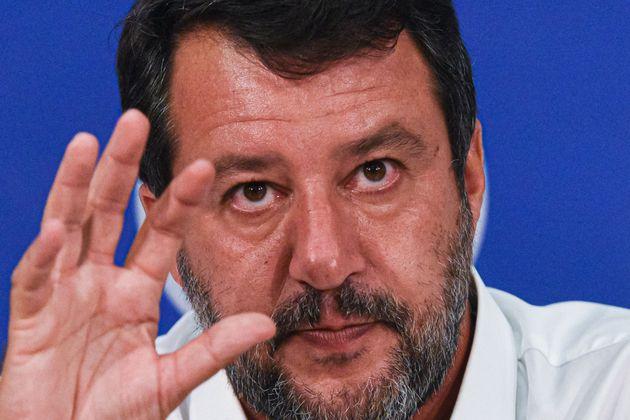 Caso Gregoretti, Salvini prepara lo sbarco in Sicilia