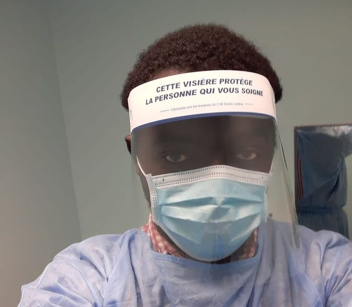 Mamadou Konaté a contracté la COVID-19 en travaillant comme préposé à l'entretien dans trois CHSLD de Montréal ce printemps. Une fois guéri, il y est retourné.