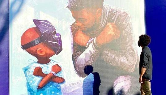『ブラックパンサー』の壁画がディズニーランド内に誕生。チャドウィック・ボーズマンさんを追悼