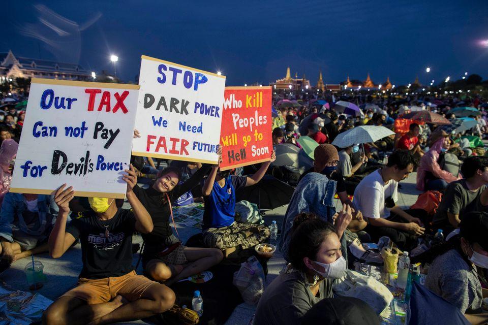 민주적인 개혁을 요구하는 촛불시위가 열리고 있다. 방콕, 태국. 2020년