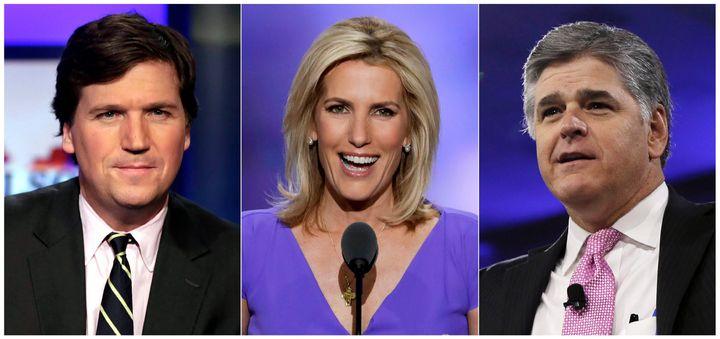 On voit ici, de gauche à droite, les vedettes de Fox News Tucker Carlson, Laura Ingraham et Sean Hannity. Les trois s'adressent à de trois à quatre millions de personnes chaque soir de la semaine et offrent une défense à fond de train de Trump.