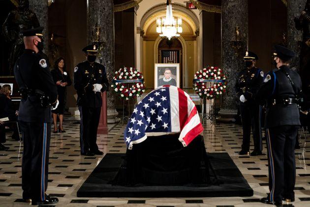 루스 베이더 긴즈버그 미국 연방대법관의 장례식이 워싱턴DC에 위치한 의사당에서 거행됐다. 고인은 여성으로는 최초로 의사당에 안치됐다. 2020년