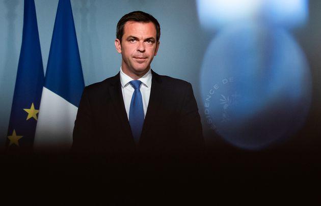 Face à la colère, Olivier Véran (ici le 20 mai 2020) adoucit sa position sur les...