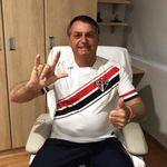 Bolsonaro recebe alta após cirurgia para retirada de cálculo na