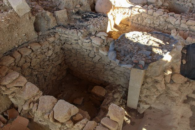 Ο κτιστός τάφος των πριγκιπισών-...