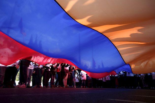 Μαζί με την Αρμενία | HuffPost Greece