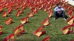 Coronavirus, a Madrid oltre 50 mila bandiere spagnole in memoria delle vittime