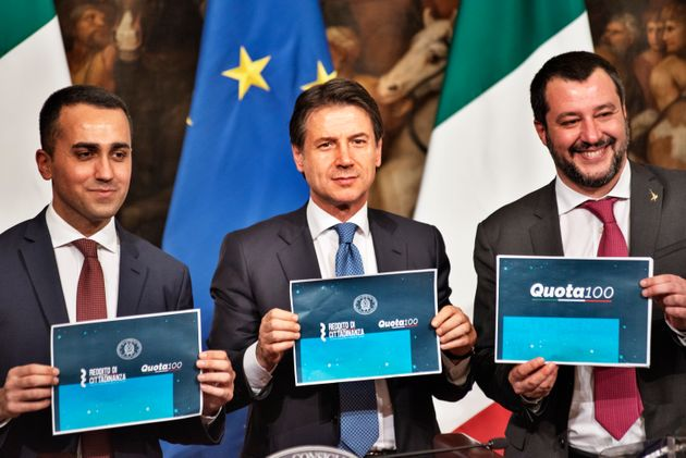 (From L) Italy's Deputy Prime Minister and Minister of Economic Development, Labour and Social Policies,...
