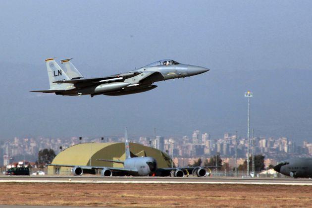 The Times: Οι ΗΠΑ διερευνούν τη μεταφορά δυνάμεων από το Ιντσιρλίκ στην Κρήτη για να τιμωρήσουν τον