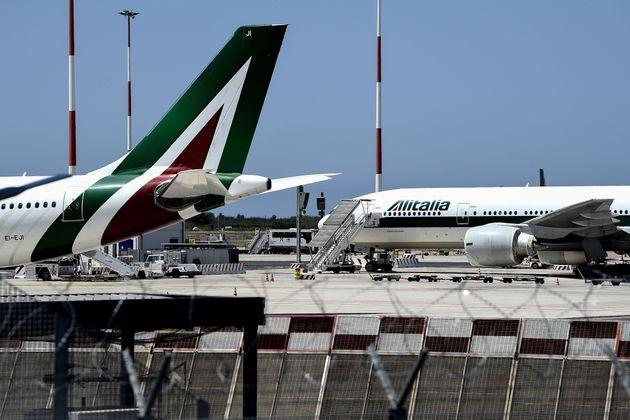 La nuova Alitalia bloccata dai litigi tra i 5 stelle