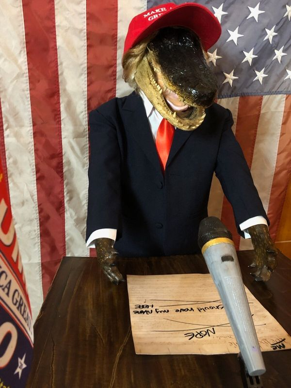 "This Trump statue just might be perfect for the person who insists that the president will ""<a href=""https://www.gatorsgalohr"