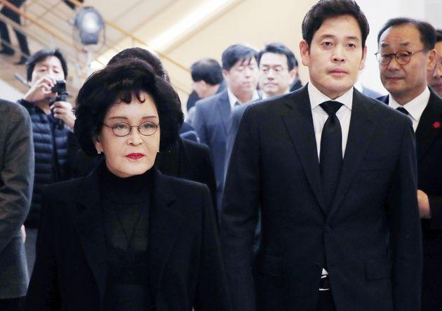 이명희 신세계그룹 회장, 정용진