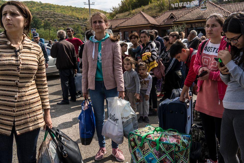 Πολίτες του Στεπανακέρτ...