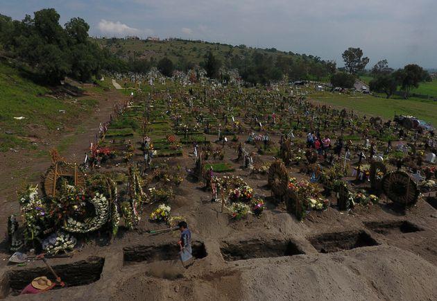Cemitério no Valle de Chalco, nos arredores da Cidade do México, tem recebido mortos por