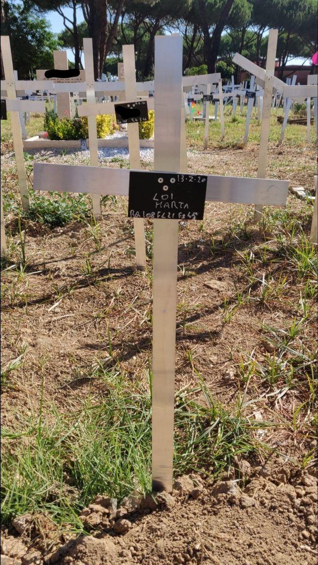 """""""Mio figlio nato morto è stato sepolto senza il mio ok e con il mio nome sulla tomba"""""""