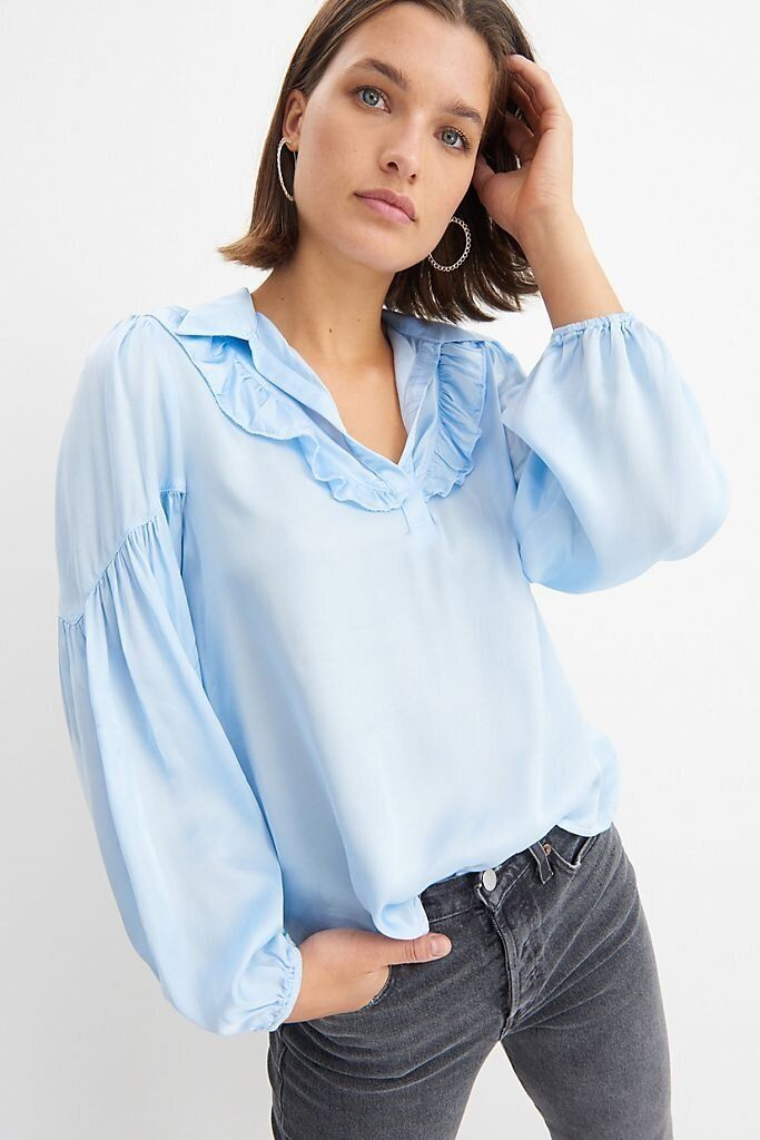 There Are Lots Of Zoom-Ready Tops On Sale At Anthropologie Right Now 3