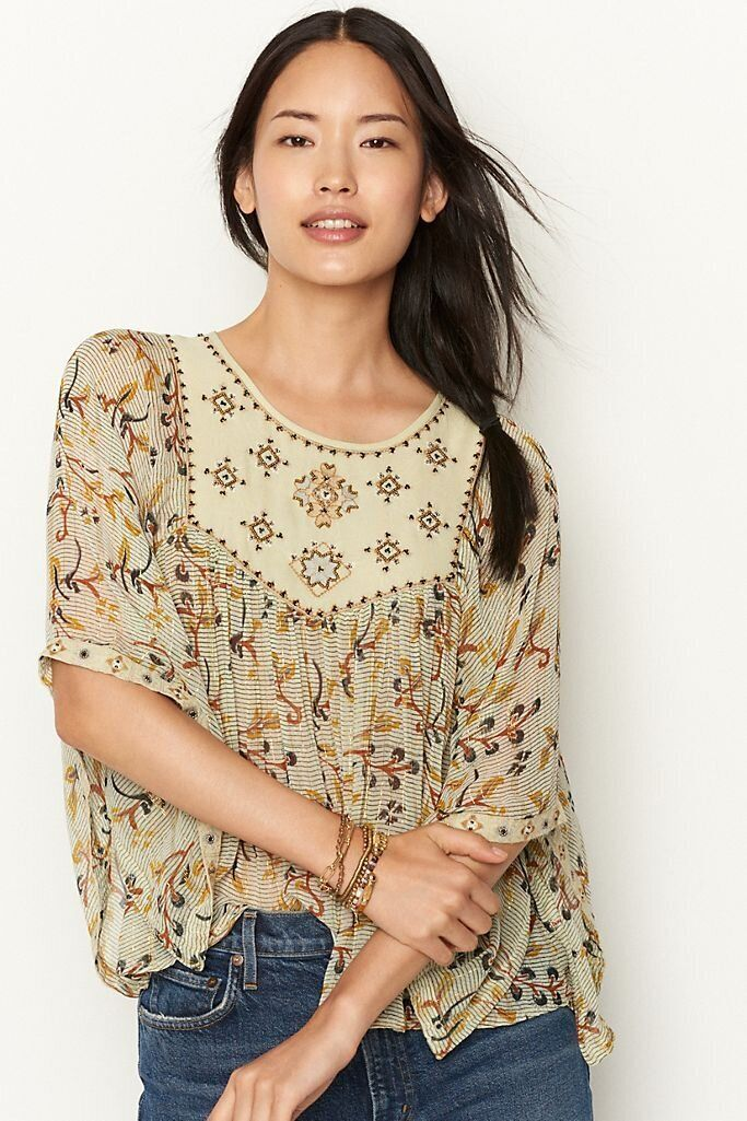 There Are Lots Of Zoom-Ready Tops On Sale At Anthropologie Right Now 9