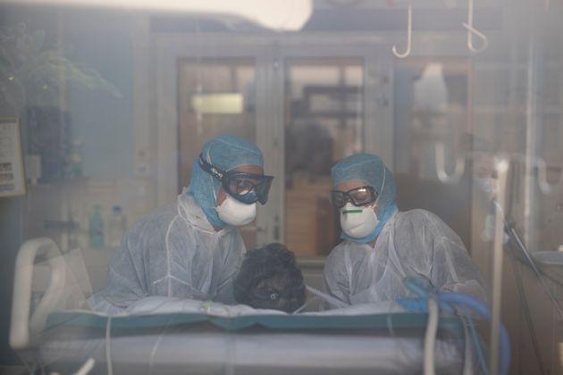 Coronavirus: plus de 800 patients admis en réanimation en France en une semaine (photo d'illustration...