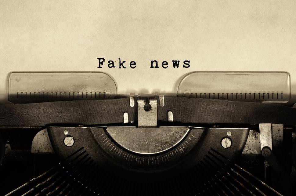 Para Safatle, as pessoas que compartilham fake news não estão sendo enganadas, mas sim querem acreditar nisso.