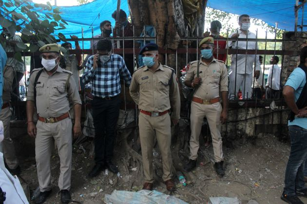 Security personnel after protest erupted at Delhi's Safdarjung Hospital on September 29,