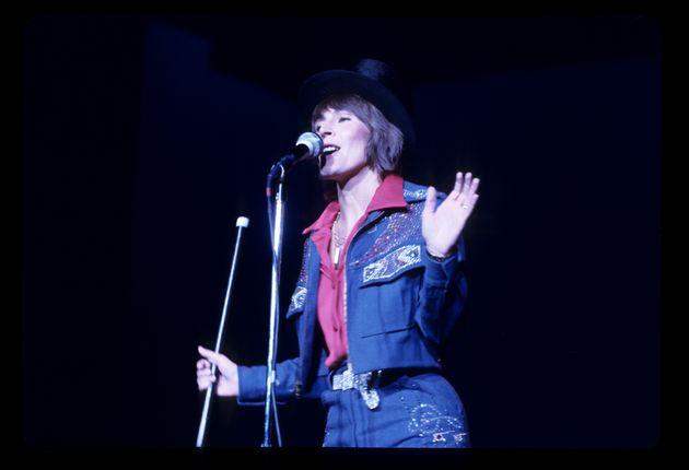 Helen Reddy, I Am Woman Singer, Dies Aged 78