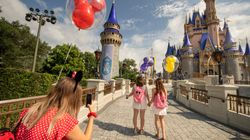 Disneyland e Disney World licenziano 28.000 dipendenti per la crisi dovuta al