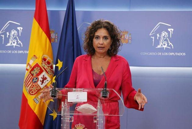 La ministra de Hacienda y portavoz del Gobierno, María Jesús Montero, en la sala de prensa del
