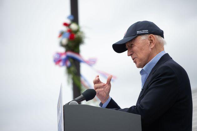 Μπάιντεν: Οι Αμερικάνοι δεν θα ανεχθούν να παραμείνει ο Τραμπ στην προεδρία αν ηττηθεί στις