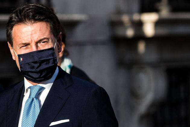 Il presidente del Consiglio Giuseppe Conte rientra a palazzo Chigi, Roma, 30 settembre 2020. ANSA/ANGELO
