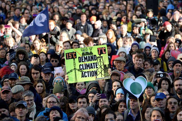 Plusieurs jeunes avaient manifesté pour la protection de l'environnement à Vancouver, en...