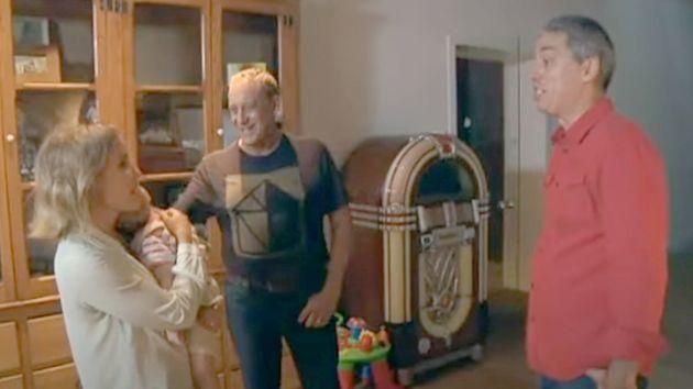 Josep María Mainat, Angela Dobrowolski y uno de sus hijos en el programa 'El convidat' de