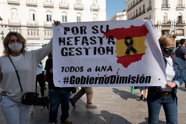 Madrid protesta per il lockdown parziale. Prepara ricorso contro la stretta