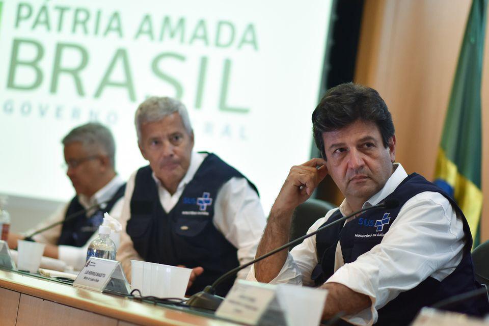 Em reunião em 28 de março no Palácio do Alvorada, Mandetta apresentou ao presidente...