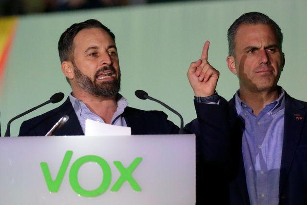 Santiago Abascal y Javier Ortega Smith, el 10 de noviembre de 2019 en la sede del partido (AP Photo/Andrea